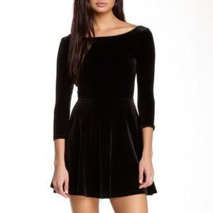 AMERICAN APPAREL LONG SLEEVE BLACK VELVET DRESS
